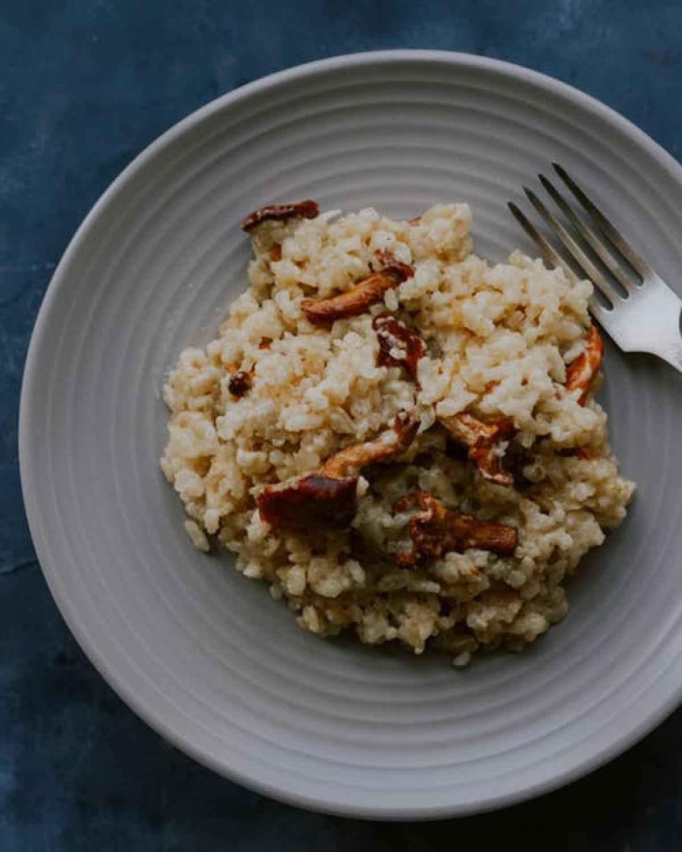 Risotto Carnaroli, Grosses Crevettes, Asperges Vertes Et Artichauts.